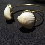 Fragile Jamaica, Bracelet 2 shells, brass and shells from Treasure Beach, 2015