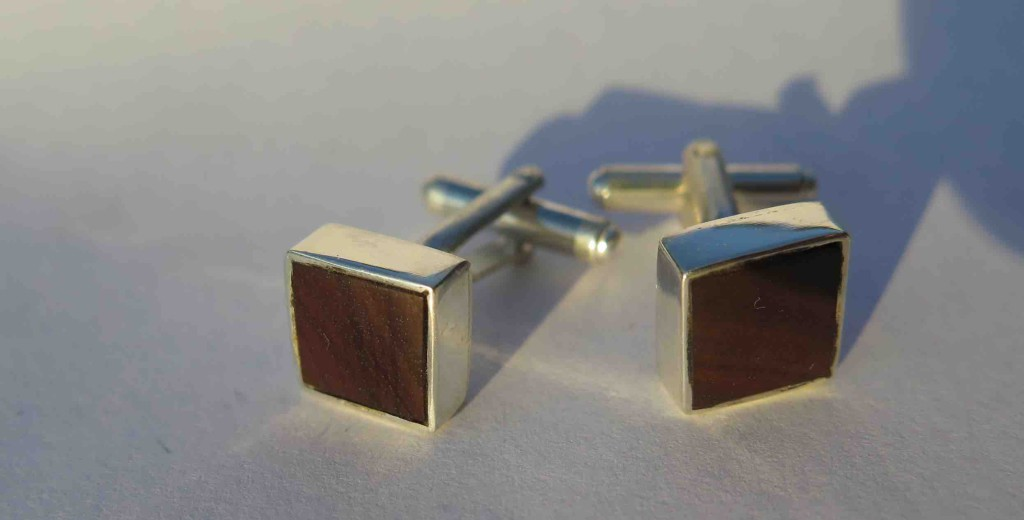 Fragile Jamaica, Lignum Vitae, cufflinks, sterling silver, square 2015 l
