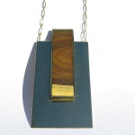 Fragile Jamaica - Lignum, pendant, 1 rectangle on a rectangle, 2016
