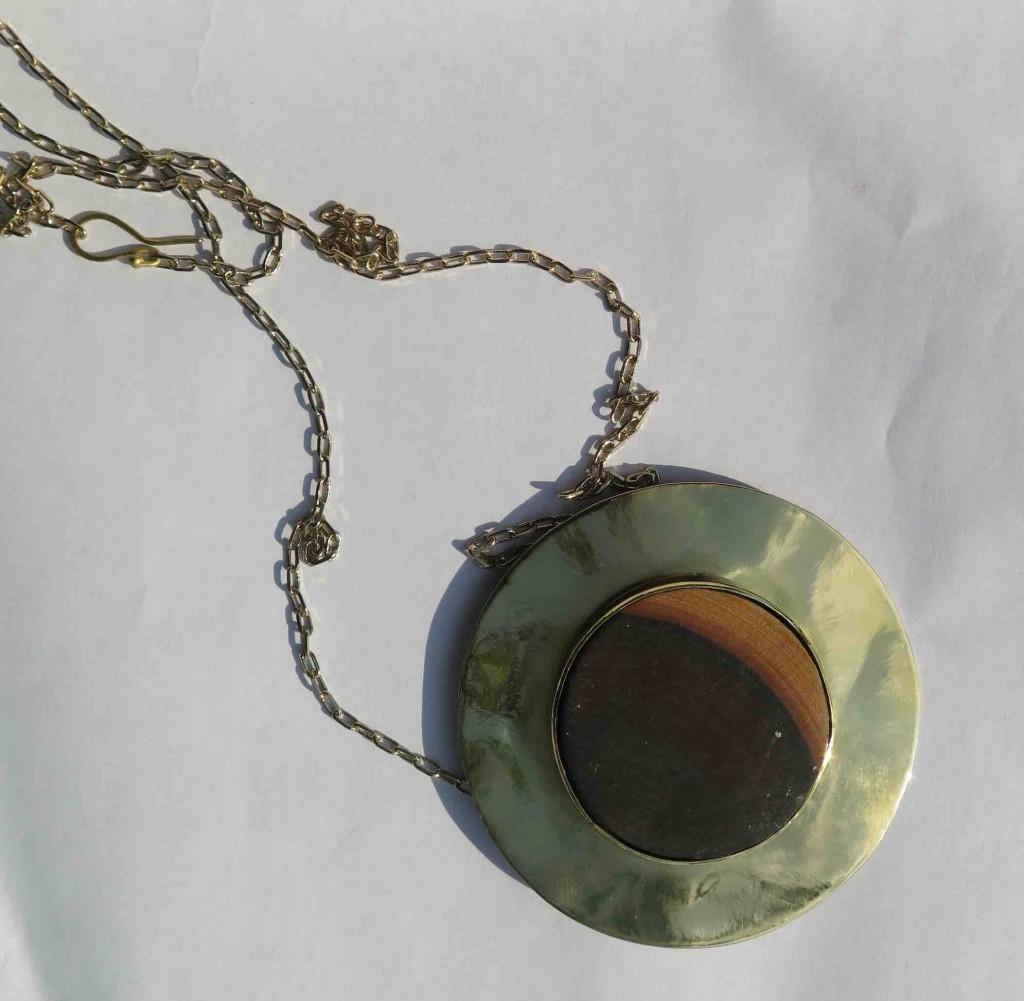 Fragile Jamaica, Lignum vitae, necklace, full moon, 2015 l
