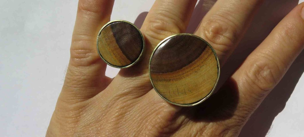 Fragile Jamaica, ring, lignum vitae from Treasure Beach and brass, 2015