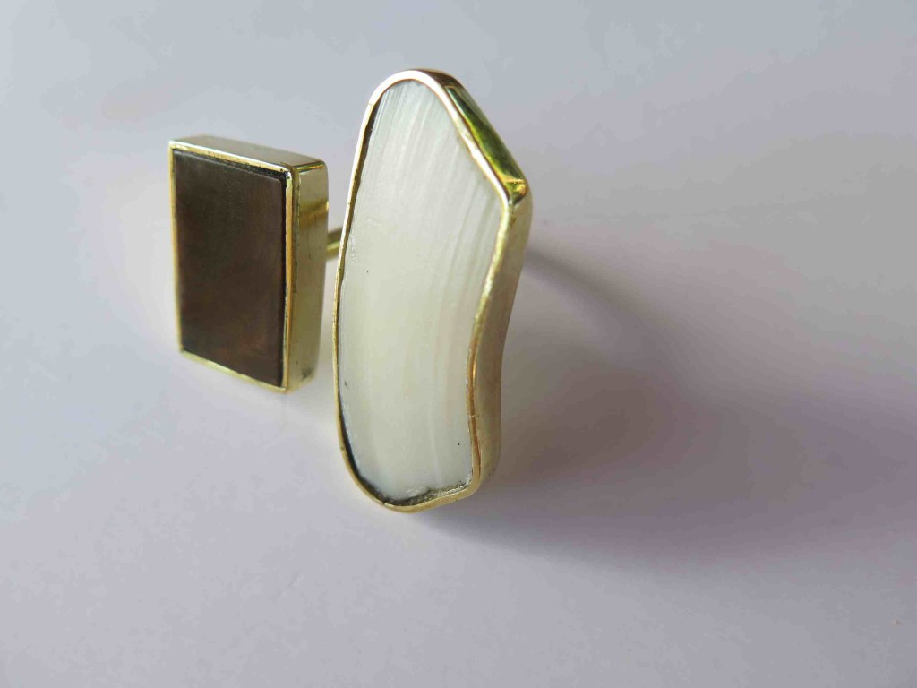 Fragile Jamaica, ring, lignum vitea and broken shell from Treasure Beach, brass, 2015