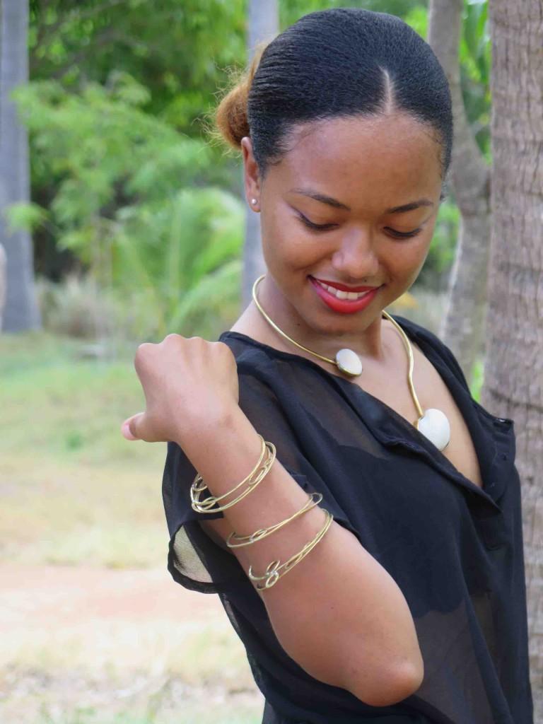 Sidi Planet Bracelet and 2 shells necklace 2015 L