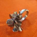 pétales impression digitale, bronze, 2007